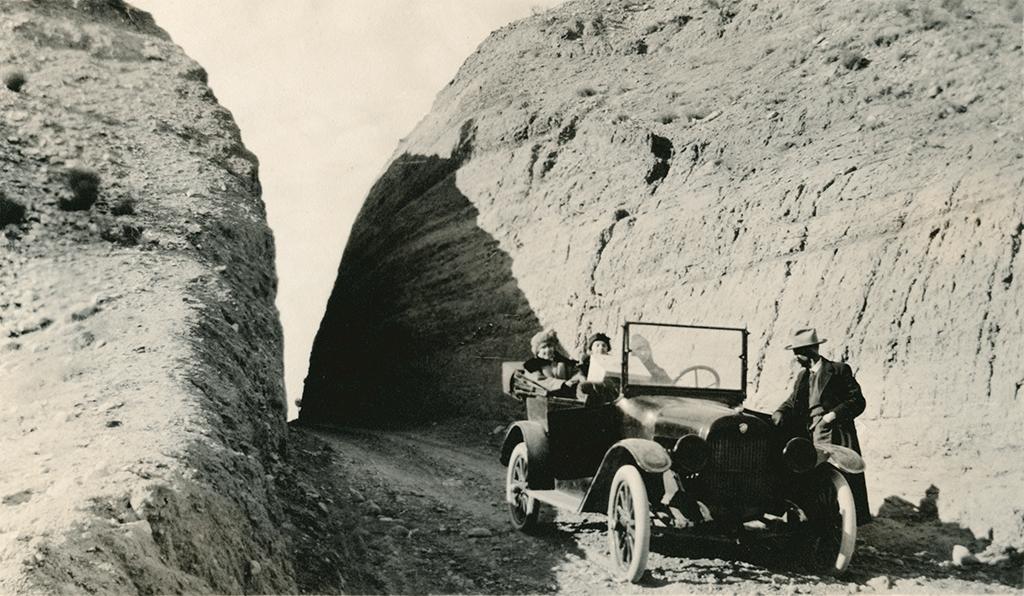 Passage north of the La Bajada hill between Albuquerque and Santa Fe