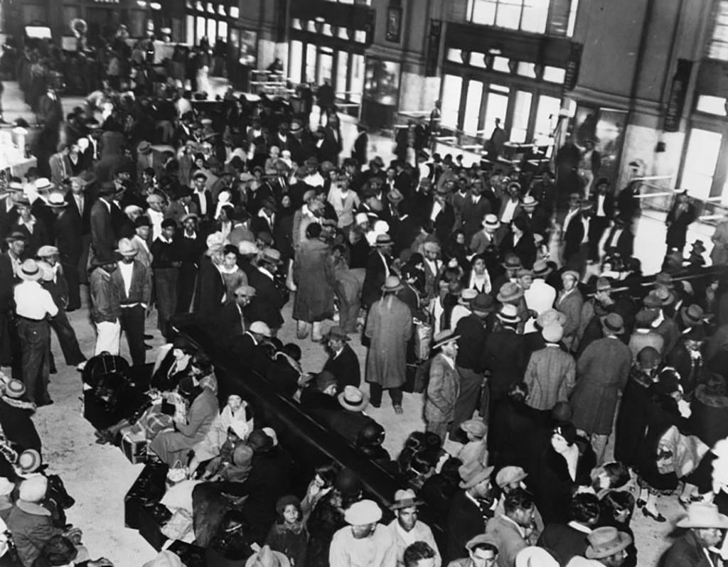 Mexican repatriates at Union Station