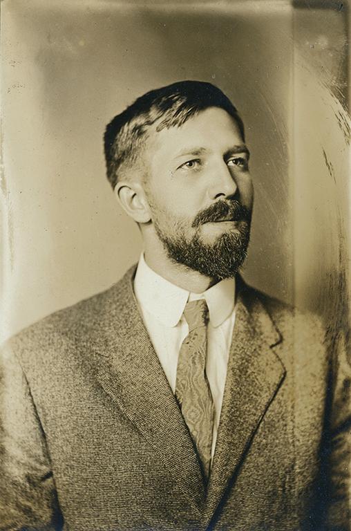 Author Frank Applegate