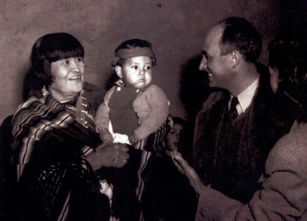 Artist Maria Martinez, a renowned San Ildefonso potter, meeting Enrico Fermi
